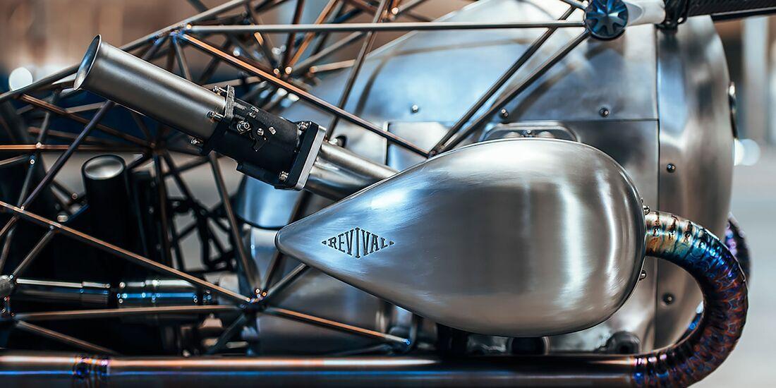 04/2019  Revival Birdcage BMW