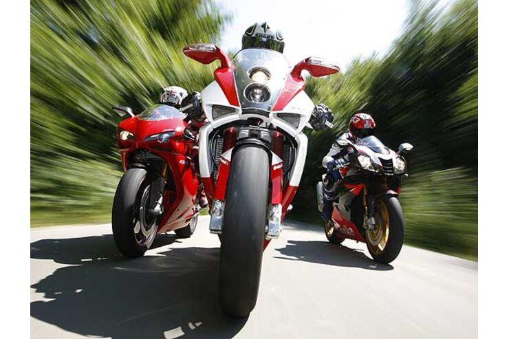 Vergleichstest Aprilia Rsv 1000 R Factory Bimota Db7 Ducati 1098 S